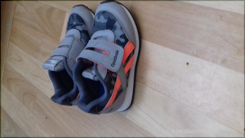 4e88008d Sprzedam buty po synku widoczne na zdjeciu roz 26 cena za całość