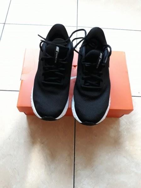 Ogloszenia Buty Buty Damskie Dziewczece Nike Revolution 5 R 40 5